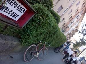 schaukasten hardstrasse refugees welcome